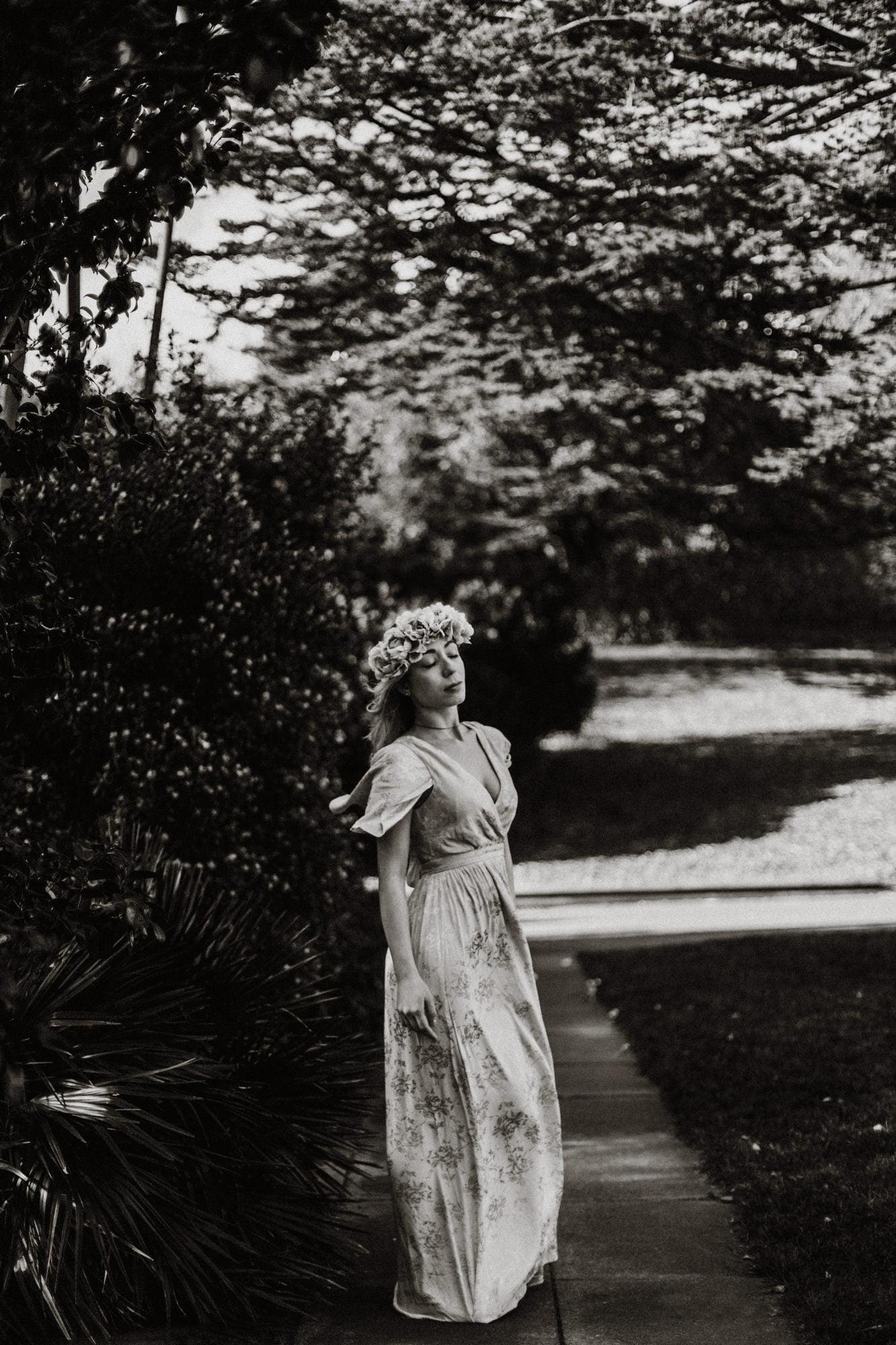 Edinburgh Portrait Photographer, Edinburgh Portrait Photoshoot in Royal Botanic Garden, Emili