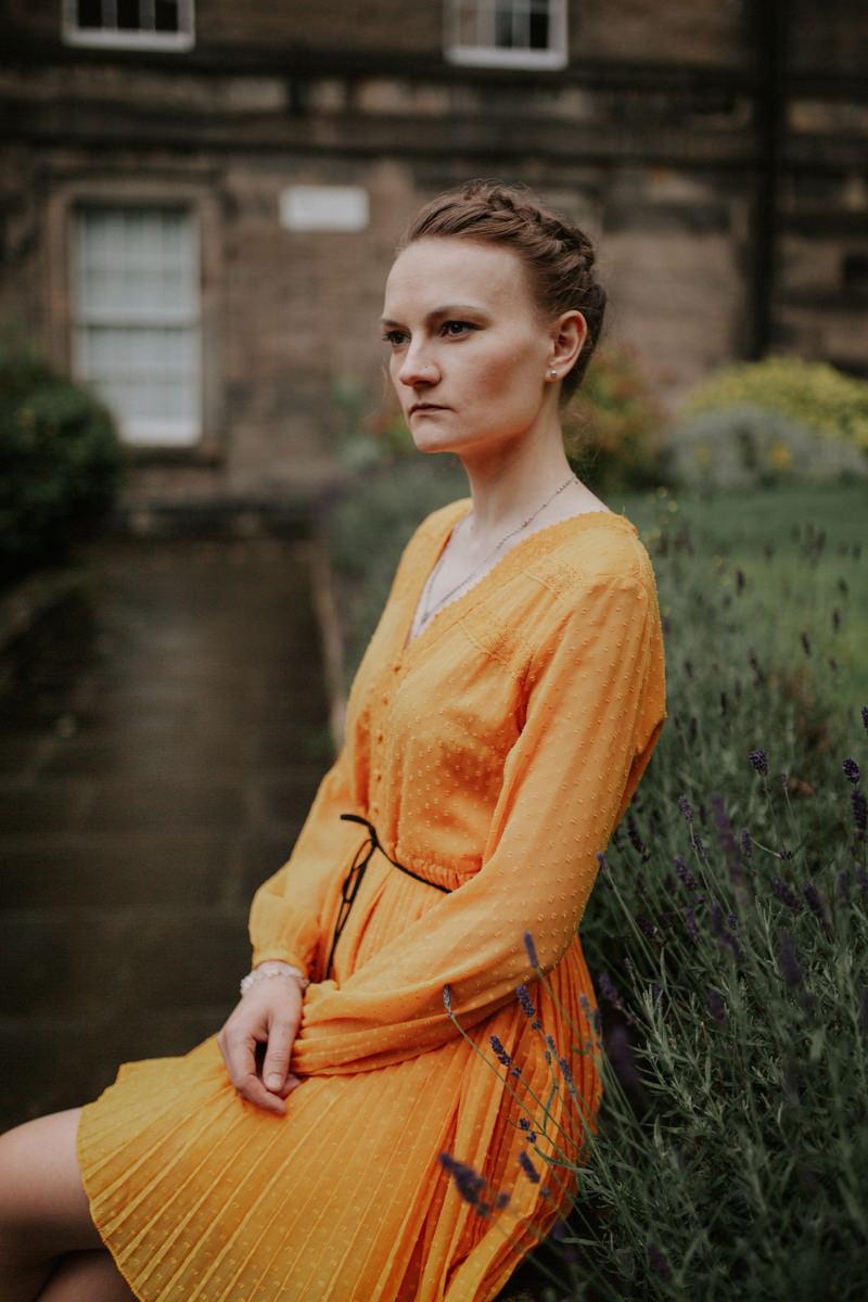 Edinburgh Portrait Photographer - Justyna, Old Town, Armchair Books 11