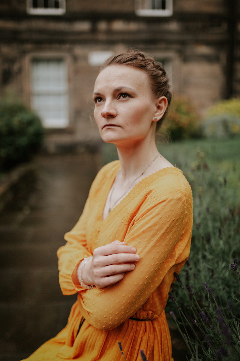 Edinburgh Portrait Photographer - Justyna, Old Town, Armchair Books 12