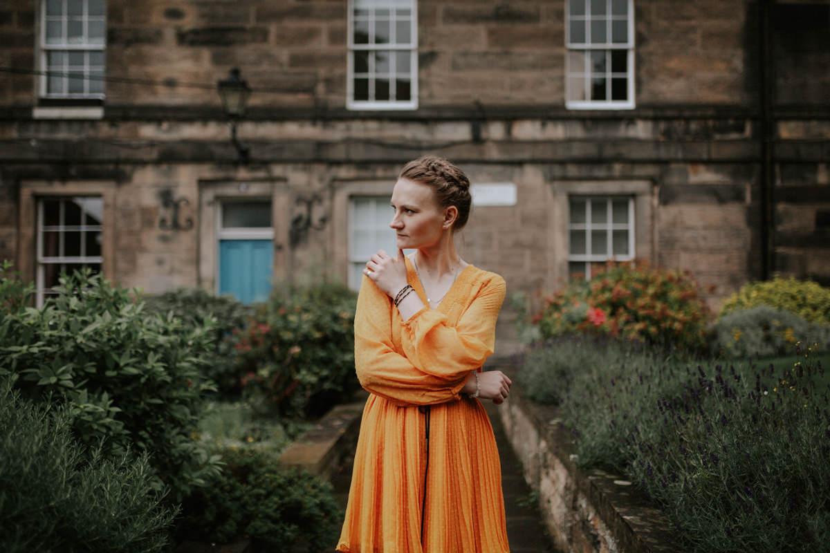 Edinburgh Portrait Photographer - Justyna, Old Town, Armchair Books 9