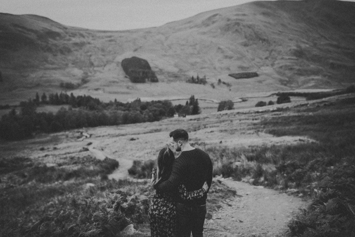 Clova couple session, autumn in Scotland, autumn in Cairngorms National Park, autumn in Glen Clova, scottish highlands, scottish mountains