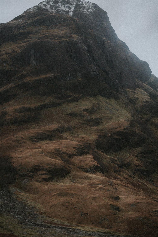 Glencoe, Three Sisters, Glecoe elopement, Scottish Highlands elopement, Scottish Highlands, Glencoe photography, Glencoe wedding, Glencoe wedding photographer, Glencoe wedding photos, Glencoe elopement, Bernadeta Kupiec, Darcy Clothing