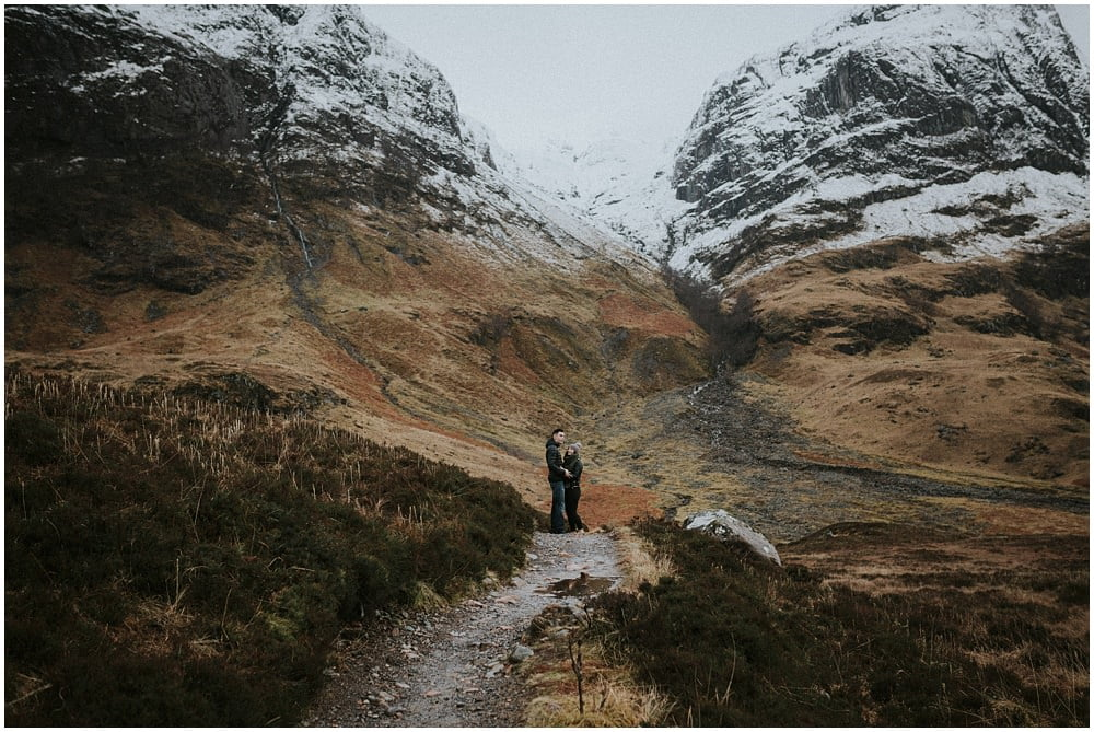 Glencoe adventure photoshoot, Glencoe couple photoshoot, Three Sisters Glencoe, winter in Glencoe,