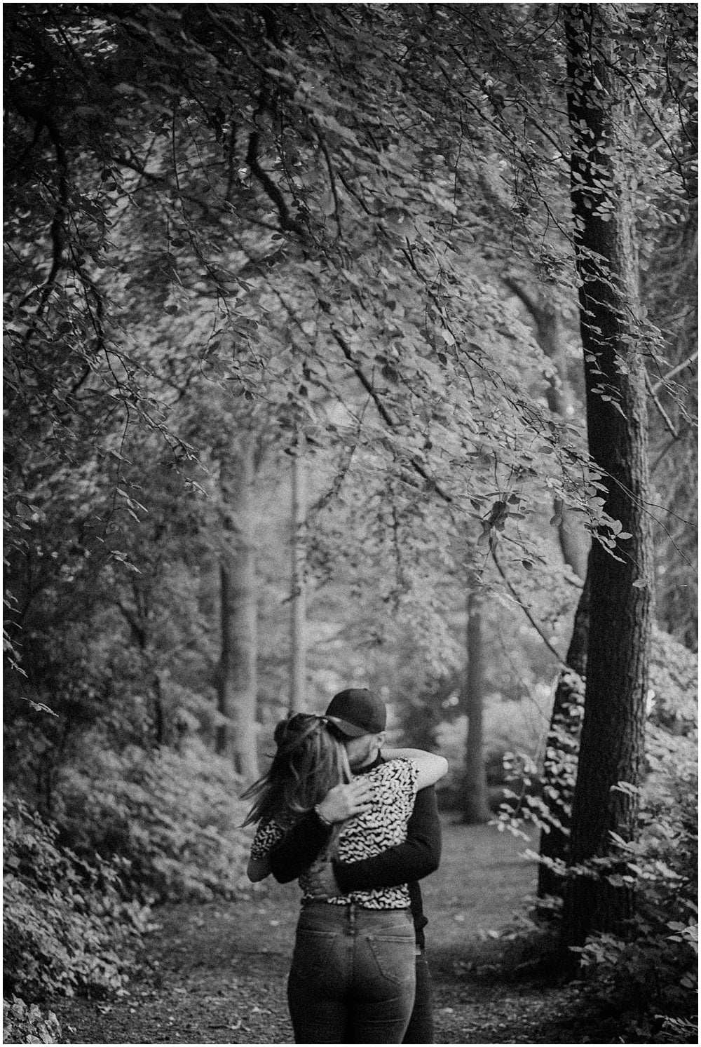 Scotland Adventurous couples photoshoot, Adventurous couples photo session in the forest, Leven Silverburn Park