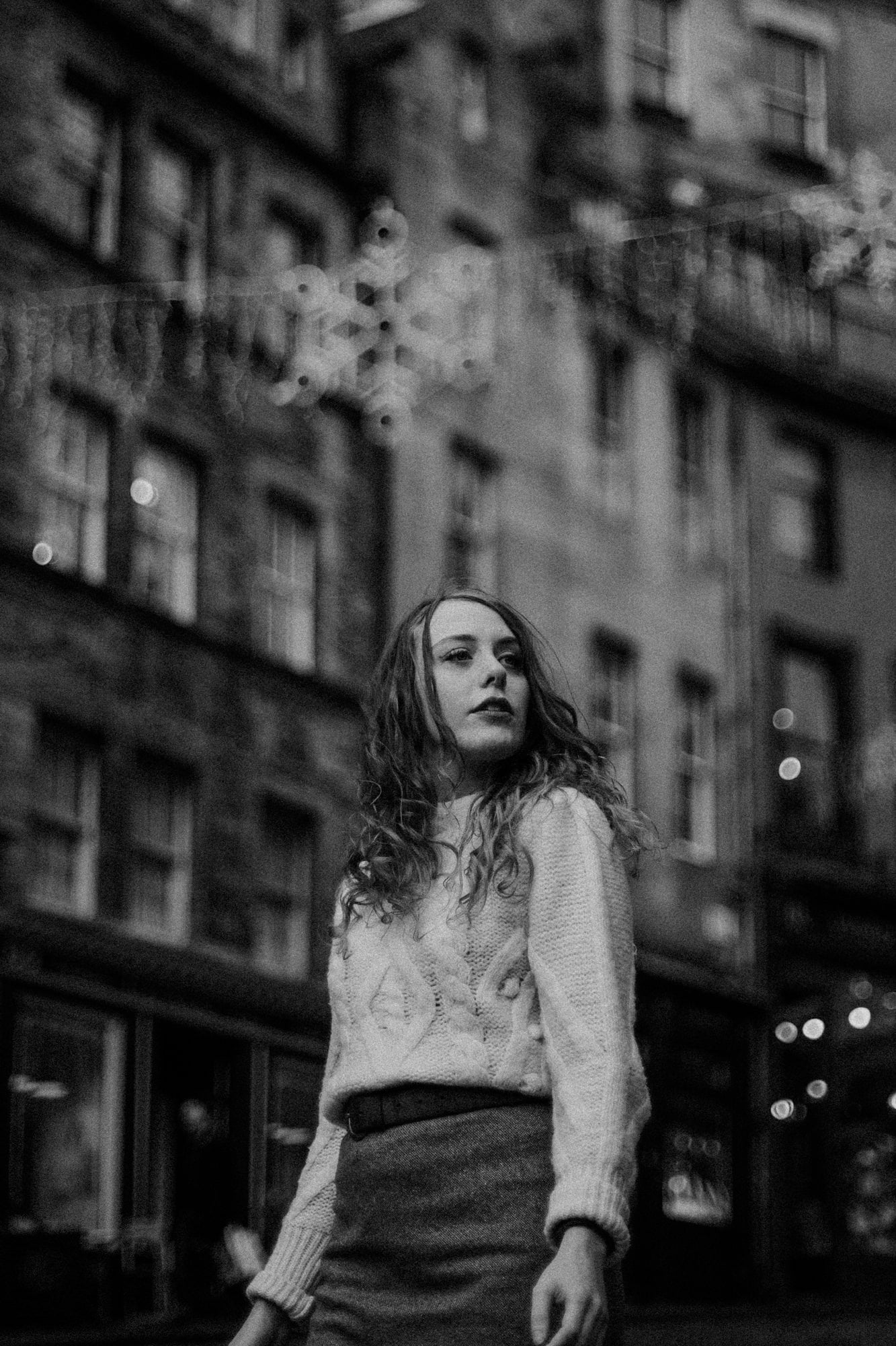 Winter portrait photoshoot in Edinburgh Old Town