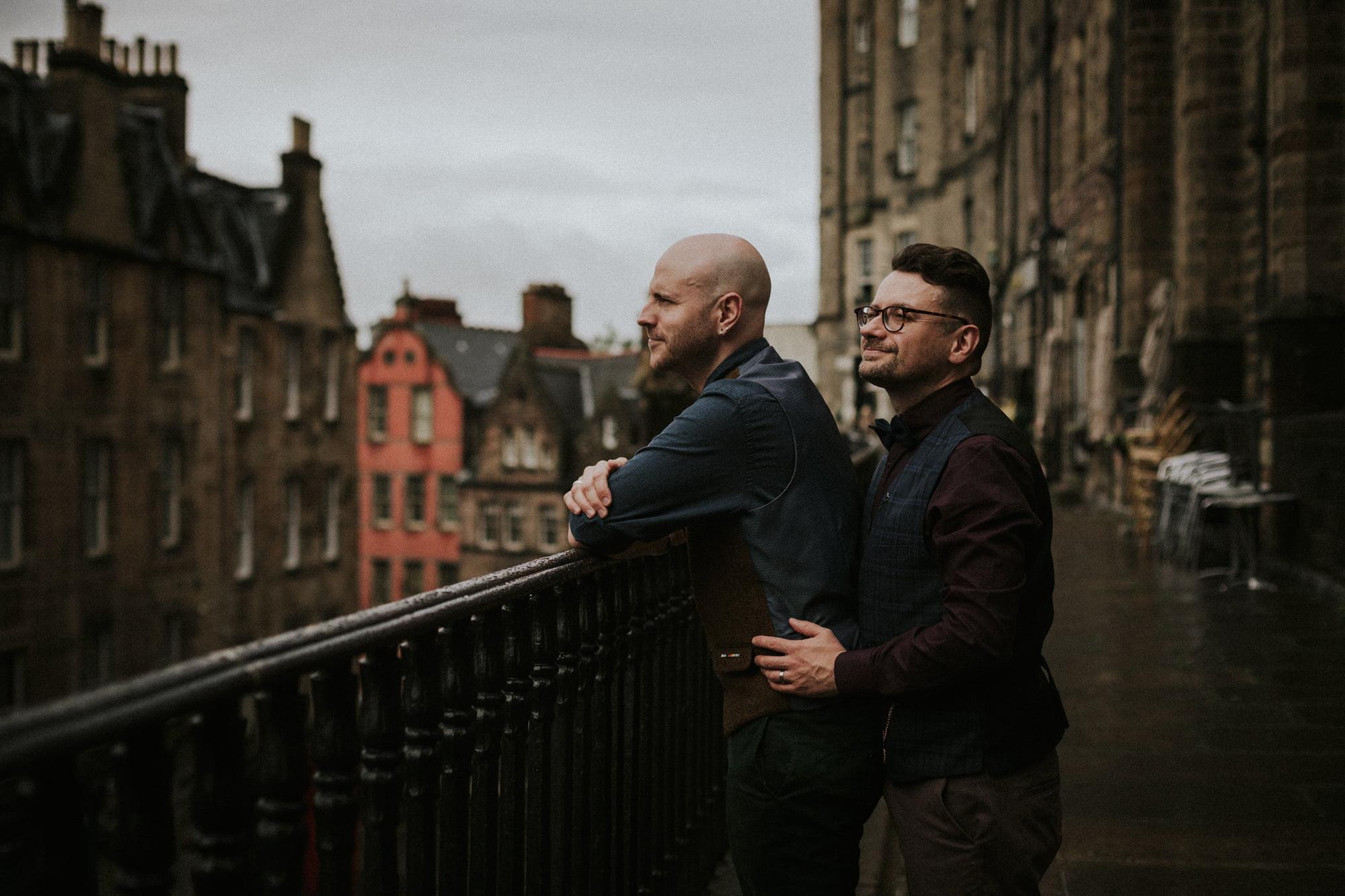 Rainy Edinburgh Couples Photoshoot